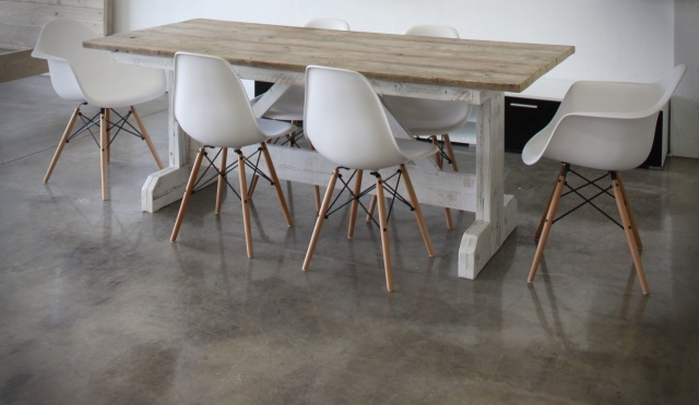 Sillas de dise o eames for Wallapop mesas